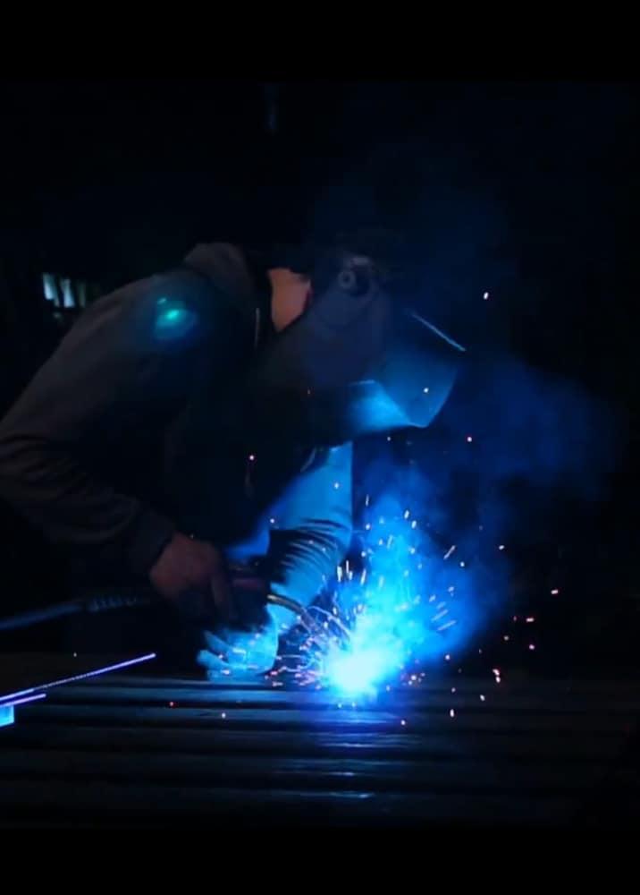 metallbauer-job-stellenangebot-dresden-leipzig-stahlzart-offene-stelle-anzeige-metallbauerin