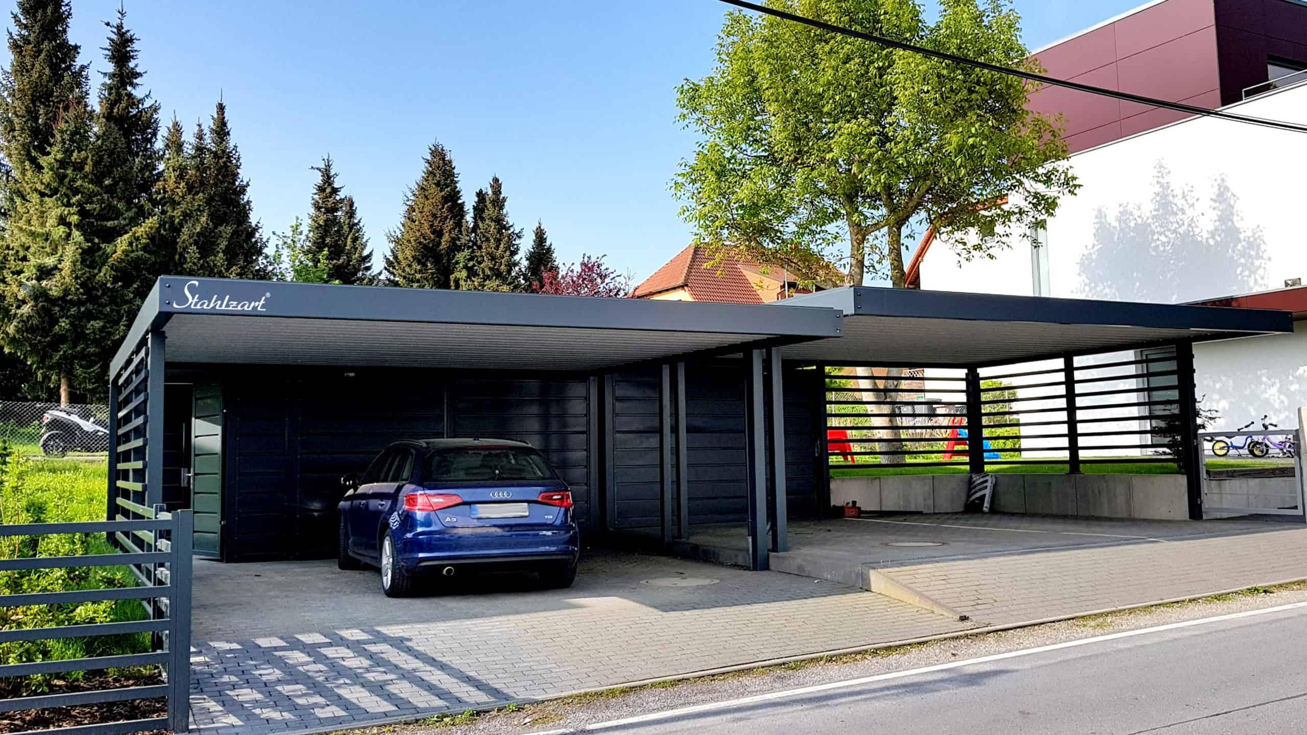 design-carport-metall-stahl-doppelcarport-anthrazit-stahlcarport-metallcarport-mit-sichtschutz-zaun-abstellraum-geraeteraum-architektur